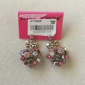 NWT Betsy Johnson heart earrings